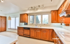 180 Woodland Acres Cres